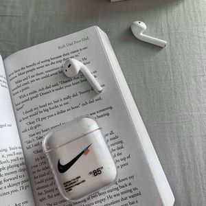 Accessories - AirPods Clear Cases NIKE